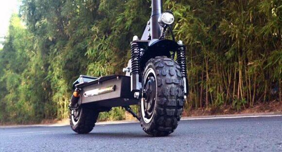 двухмоторный электросамокат alligator electric scooter  спереди
